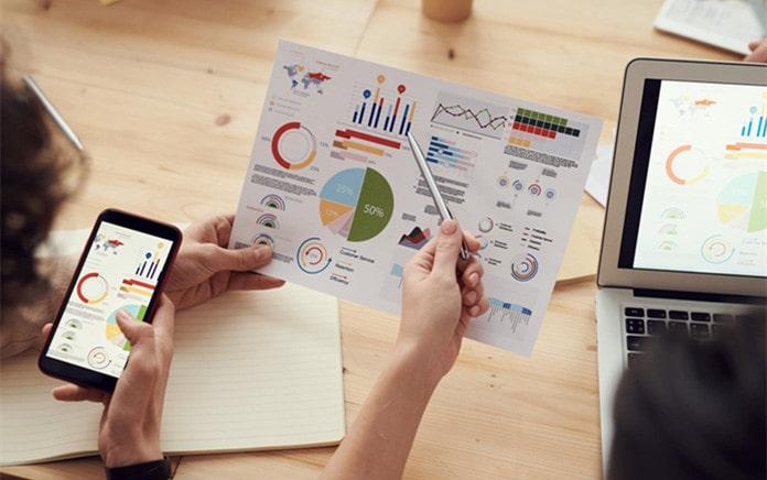 financial analyst assist organization